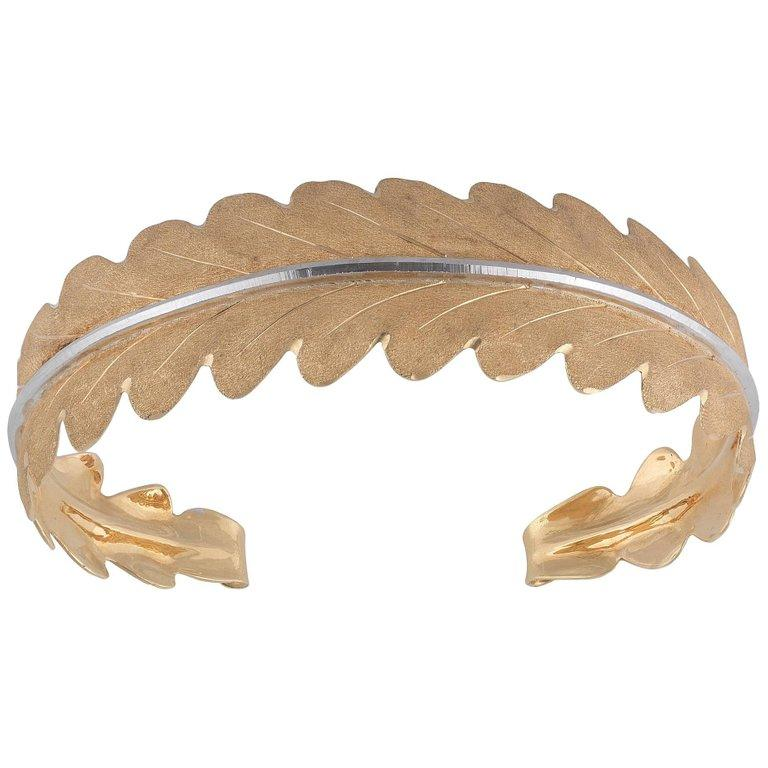Buccellati Two-Tone Gold Leaf Shaped Bangle In Excellent Condition For Sale In Firenze, IT