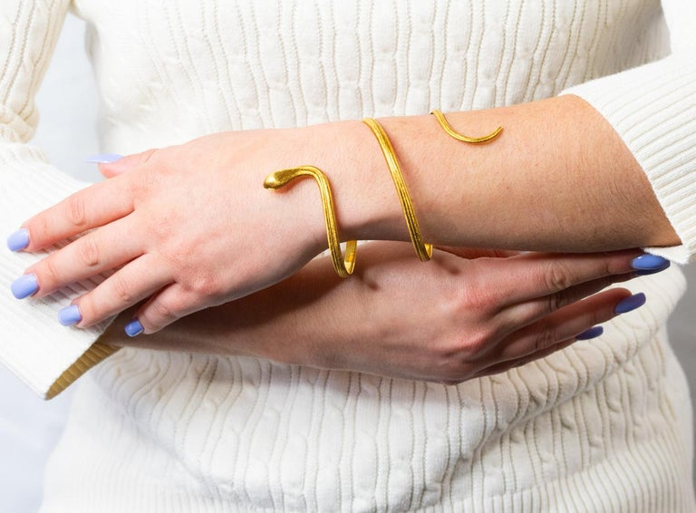 Buccellati Vintage 18 Karat Yellow Gold Coiled Snake Armband Bracelet For Sale 5