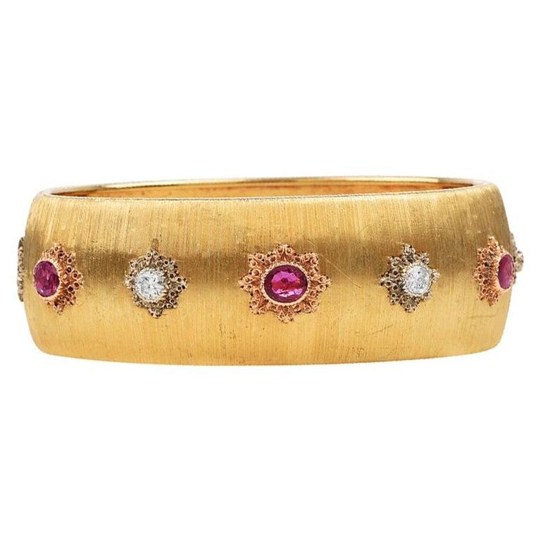 Buccellati Vintage Ruby Diamond 18k Gold Rigato Finish Cuff Bracelet For Sale