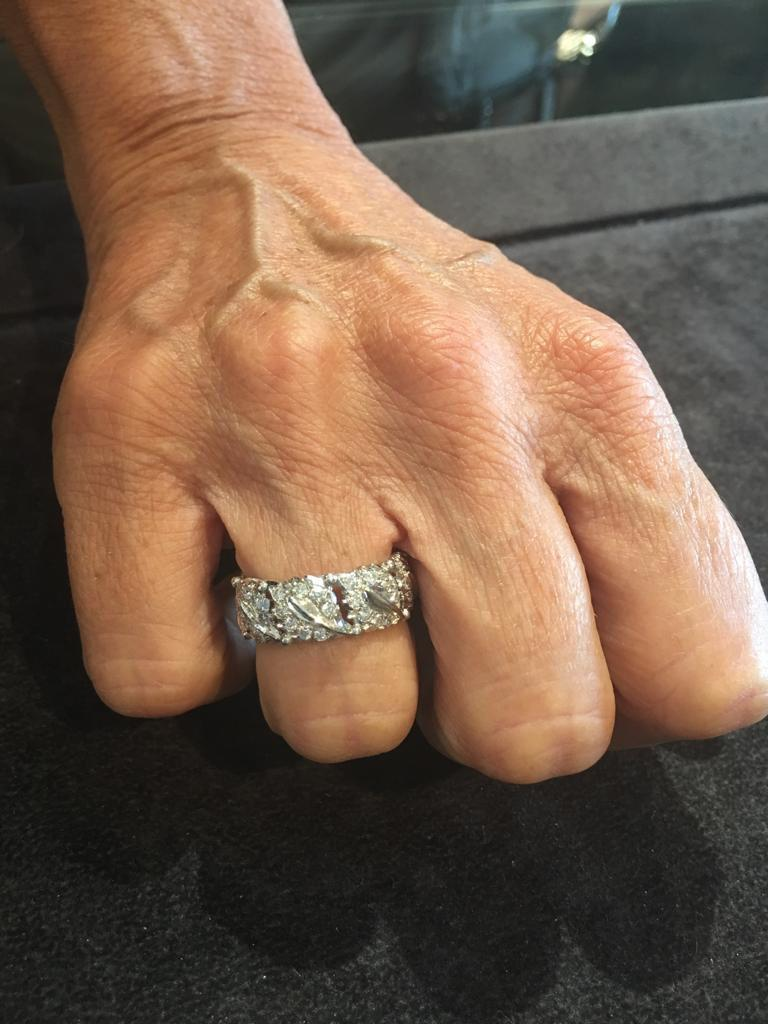 Buccellati White Gold and Cluster Diamonds Band Ring For Sale 1