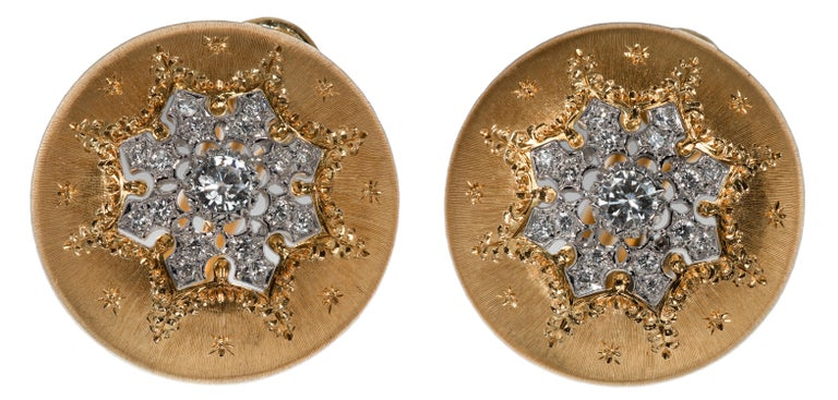 Buccellatti Button Yellow Gold Earrings In Excellent Condition For Sale In 02114, MA