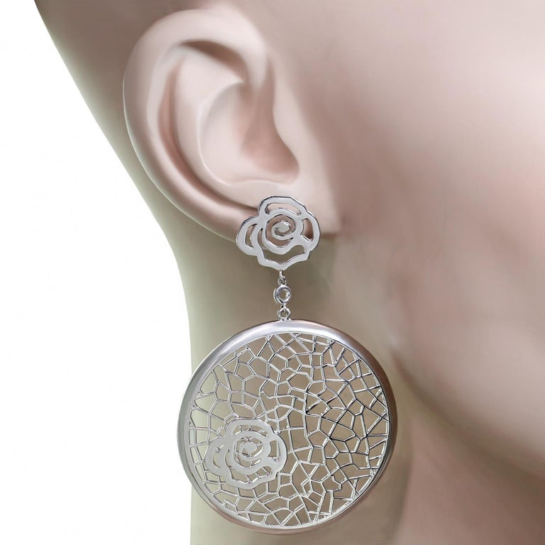 Bucherer White Gold Floral Drop Earrings In New Condition For Sale In New York, NY