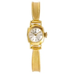 Bucherer Women's Vintage Hand Winding Watch Silver Dial 18 Karat Yellow Gold