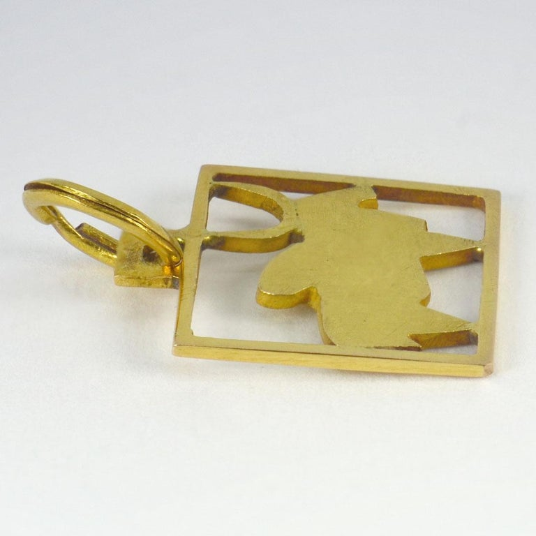 Buffalo 18k Yellow Gold Square Charm Pendant In Good Condition For Sale In London, GB