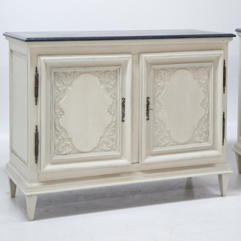 Buffets, France, 18th Century / 21st Century In Good Condition For Sale In Greding, DE