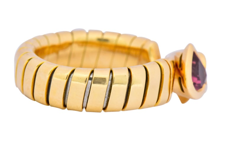 Heart Cut Bulgari 1.50 Carat Pink Tourmaline Peridot 18 Karat Yellow Gold Heart Ring For Sale
