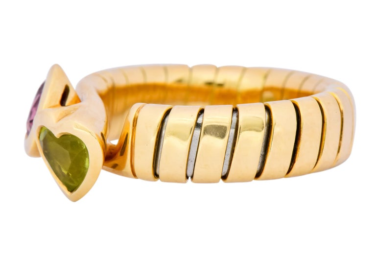 Women's or Men's Bulgari 1.50 Carat Pink Tourmaline Peridot 18 Karat Yellow Gold Heart Ring For Sale