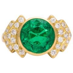 Bulgari 18 Karat Gold and Diamond Ring with AGL Certified Colombian Emerald