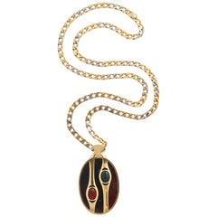 Bulgari 18 Karat Gold Midcentury Solid Curb Chain with Bloodstone Scarab Pendant