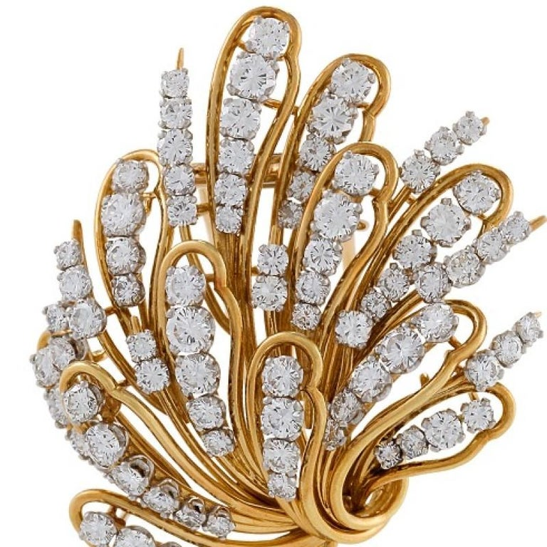 Bulgari 1960s Diamond and Gold Flower Brooch In Excellent Condition For Sale In New York, NY