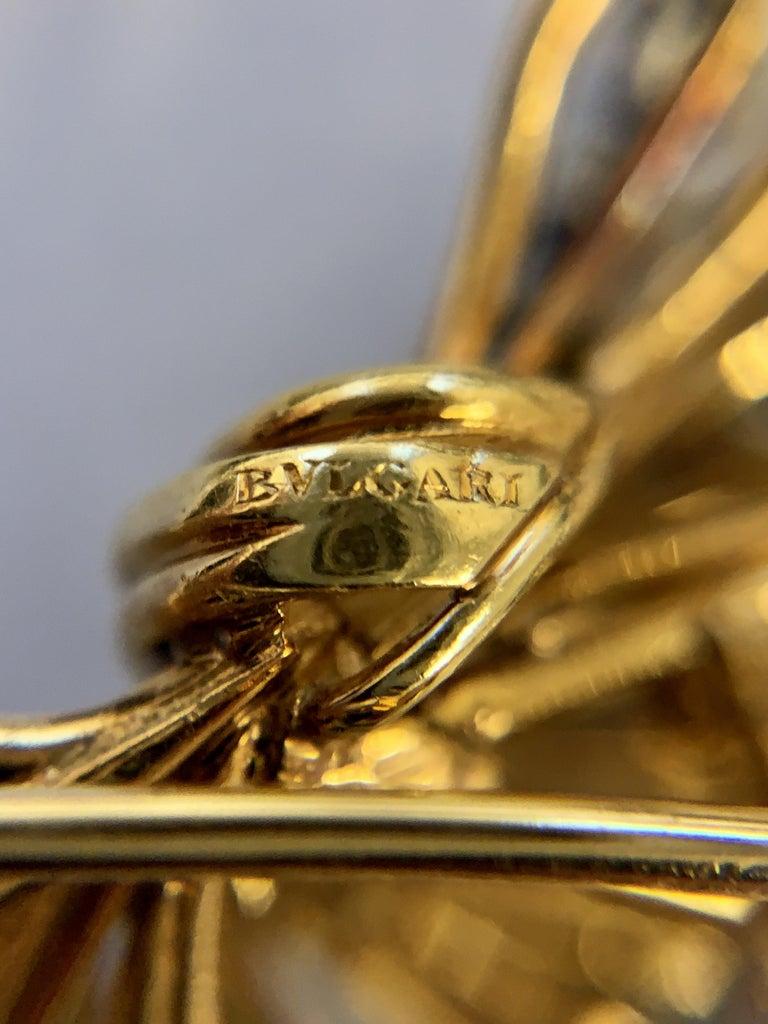 Bulgari 1960s Diamond and Gold Flower Brooch For Sale 1