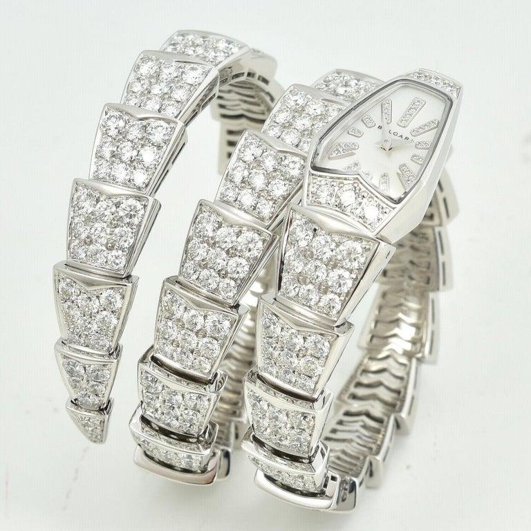 Round Cut Bulgari Bulgari Serpenti Jewelry Scaglie in White Gold Watch For Sale