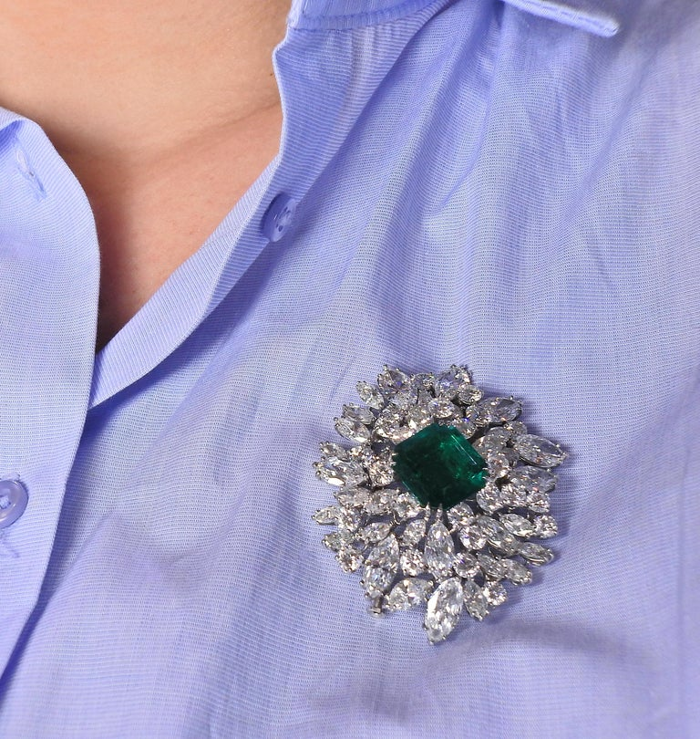 Bulgari Certified 6.61 Carat Colombian Emerald Diamond Platinum Brooch In Excellent Condition For Sale In New York, NY