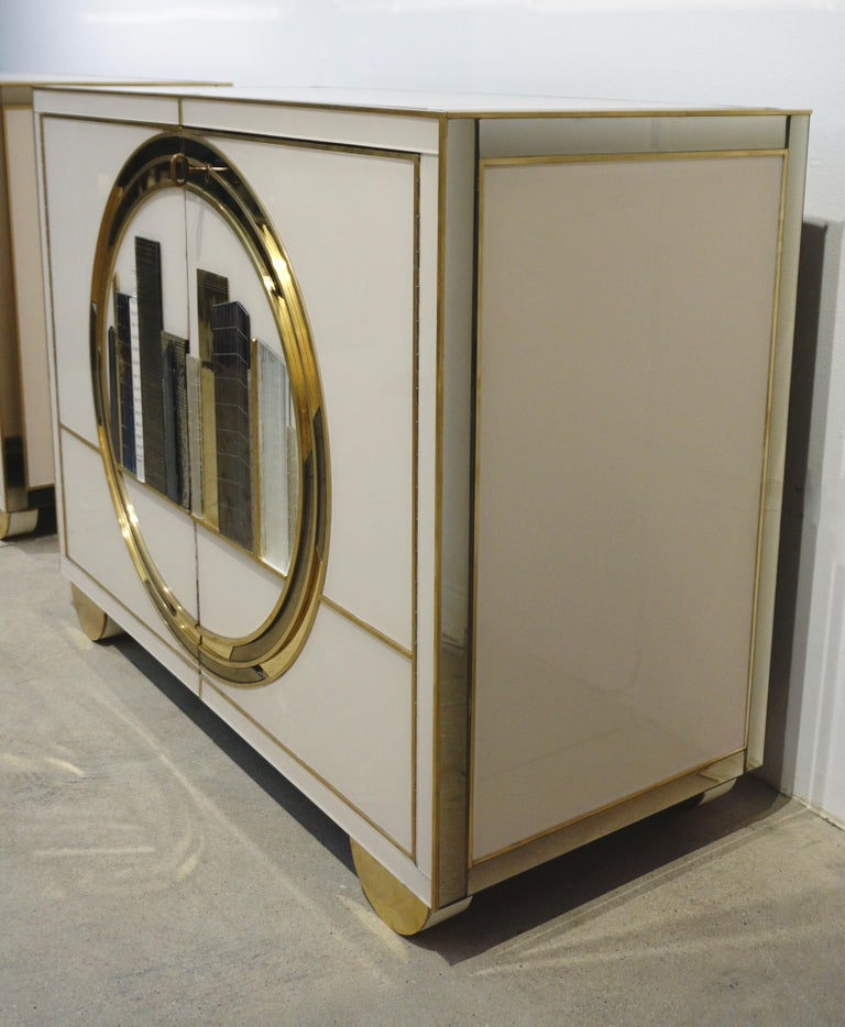 Italian Contemporary Bespoke Ivory Cabinets with New York Blue & Gold Sculpture For Sale 4