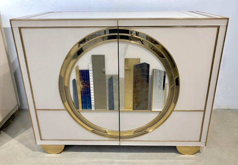 Italian Contemporary Bespoke Ivory Cabinets with New York Blue & Gold Sculpture For Sale 7
