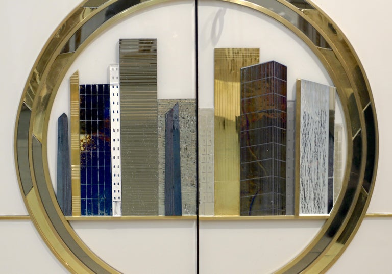 Italian Contemporary Bespoke Ivory Cabinets with New York Blue & Gold Sculpture In New Condition For Sale In New York, NY