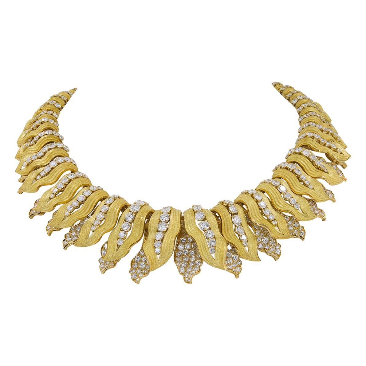 Bulgari Diamond Yellow Gold Leaves Necklace