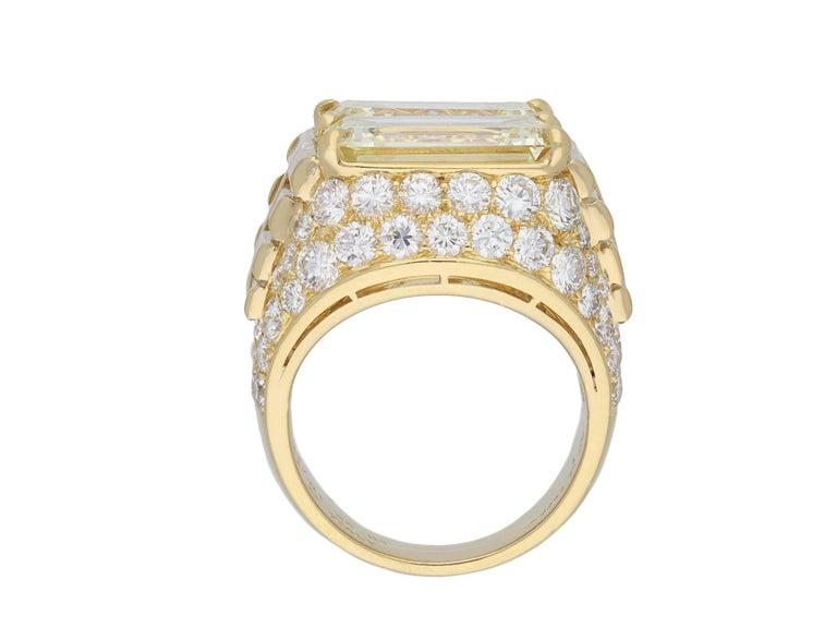 Bulgari Diamond 'Trombino' Ring, Italian, circa 1970 For Sale 1