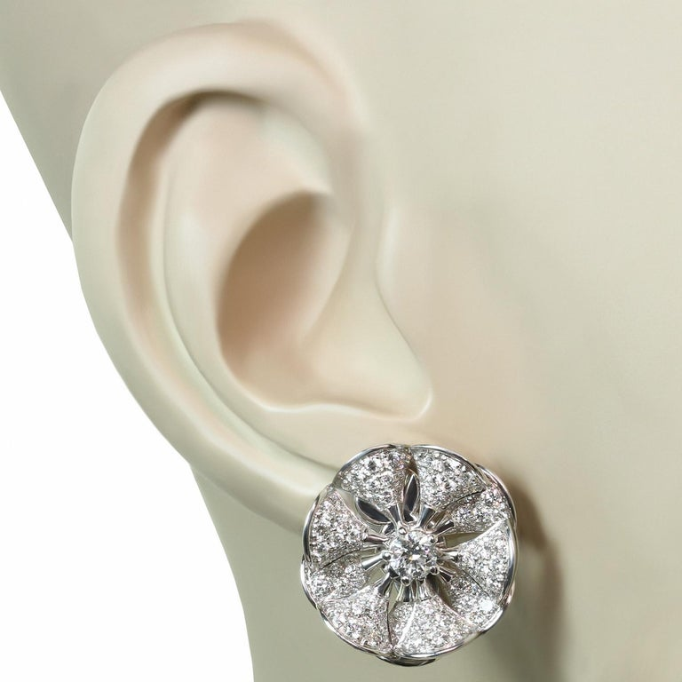 Bulgari Divas' Dream Diamond White Gold Flower Earrings In Excellent Condition For Sale In New York, NY