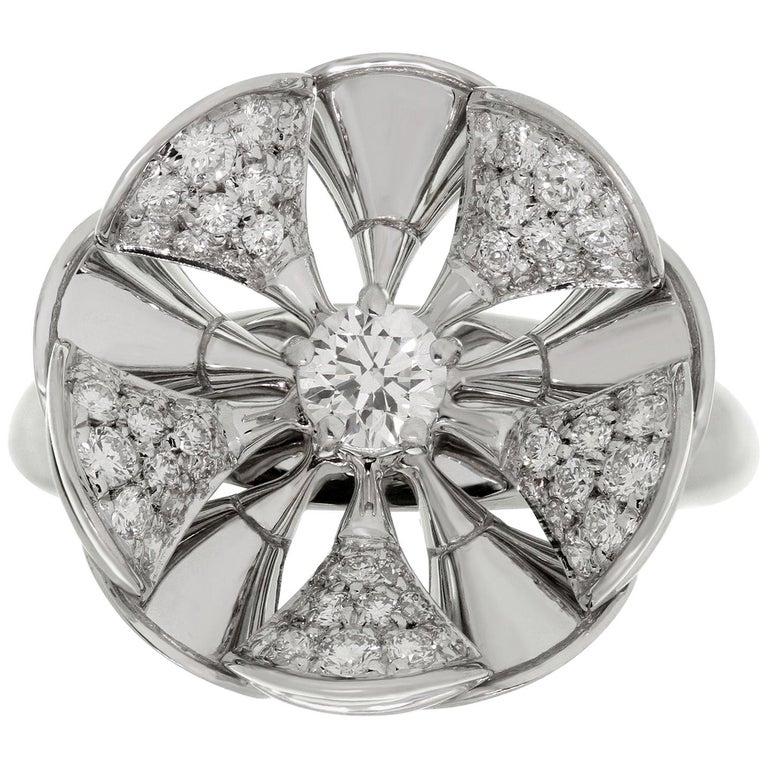 Bulgari Divas' Dream Diamond White Gold Flower Ring For Sale