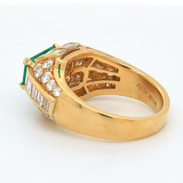 Bulgari Emerald and Diamond Trombino Ring, ca. 1970s For Sale 1