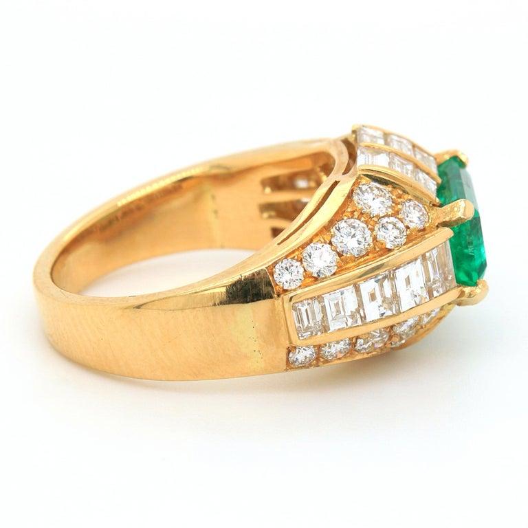 Bulgari Emerald and Diamond Trombino Ring, ca. 1970s For Sale 3