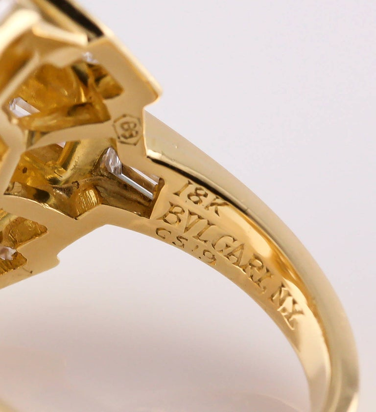Bulgari Estate Diamond and 18 Karat Gold Cocktail Ring For Sale 3