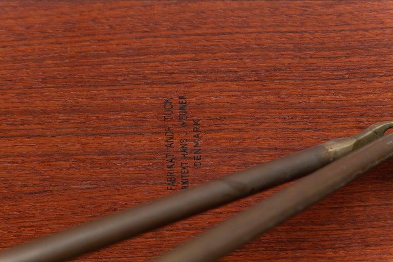 Hans Wegner Sabre Leg Dining Table Model AT-304 For Sale 4