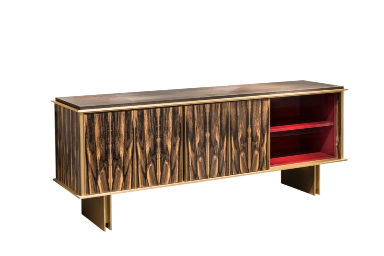 Sophie Negropontes and Hervé Langlais also demonstrate their expertise in exceptional custom-made pieces by presenting the Plumage sideboard. Its strict geometric shape highlights the royal ebony veneer making up the facades in a design that seems