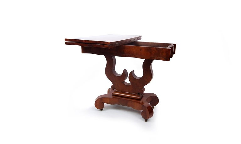 American Classical 19th Century American Empire Mahogany Game Table For Sale