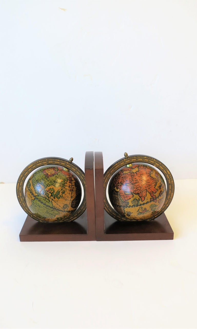20th Century Pair of Midcentury Italian World Globe Bookends For Sale