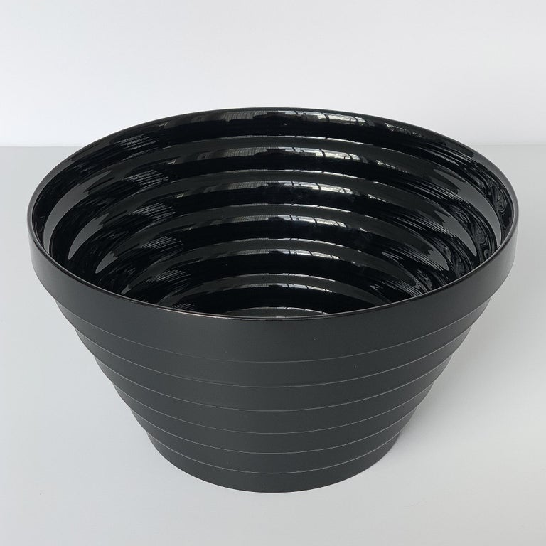 Modernist Italian Stepped Black Glass Bowl In Excellent Condition For Sale In Chicago, IL