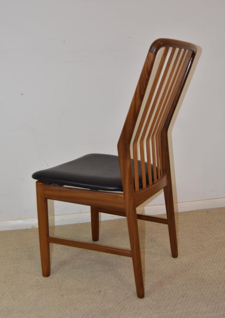 20th Century Pair of Mid-Century Modern Danish Teak Moreddi Chairs For Sale