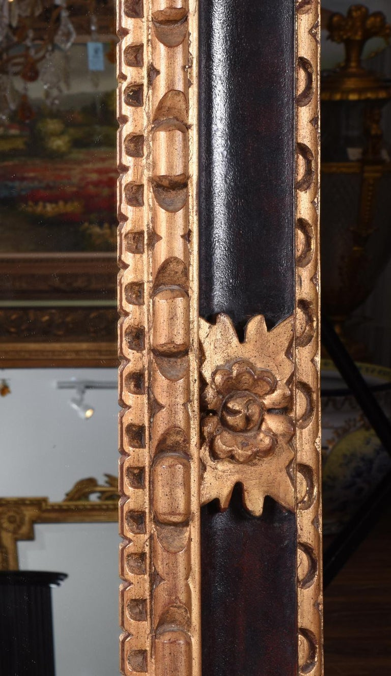 Mid-20th Century Giltwood Framed Hanging Wall Mirror In Excellent Condition For Sale In Hudson, NY