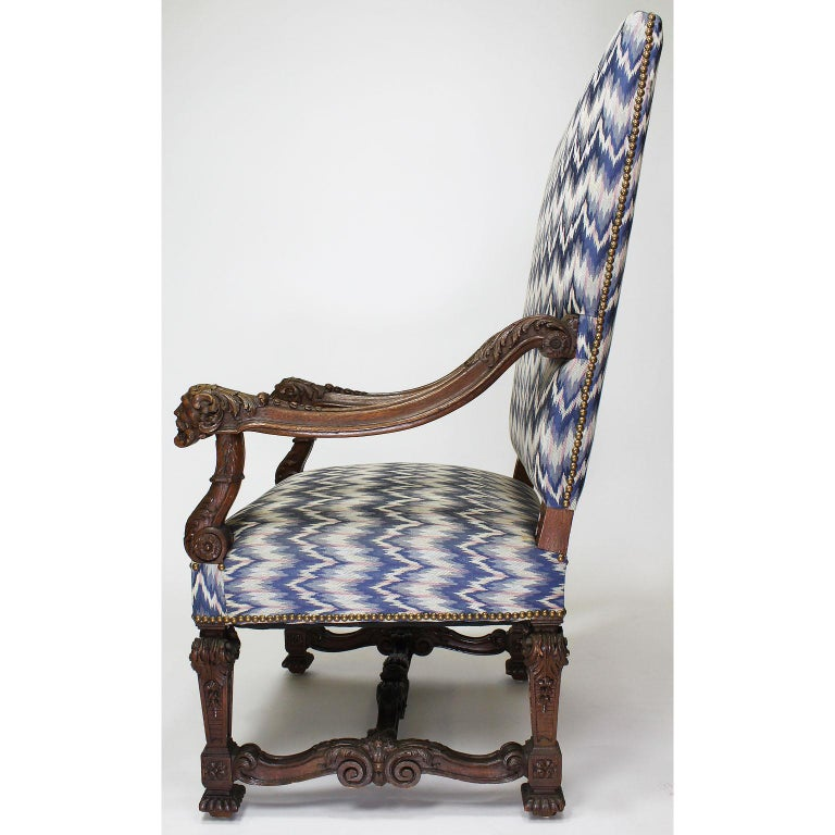 Fine French 19th Century Louis XIV Style Baroque Carved Walnut Throne Armchair In Good Condition For Sale In Los Angeles, CA