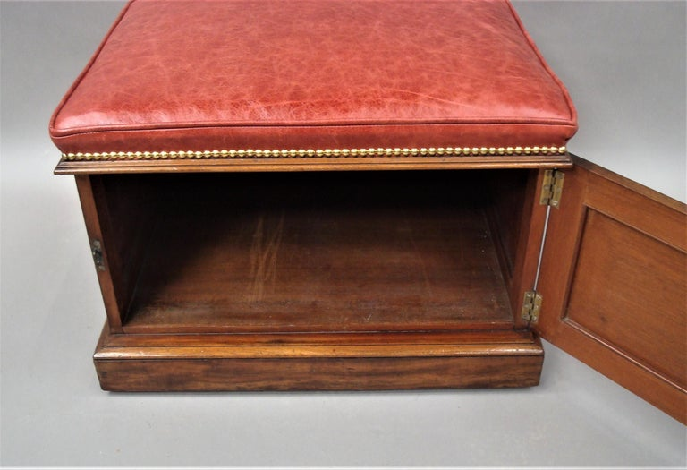 William IV Mahogany and Leather Box Stool In Good Condition For Sale In Moreton-in-Marsh, Gloucestershire