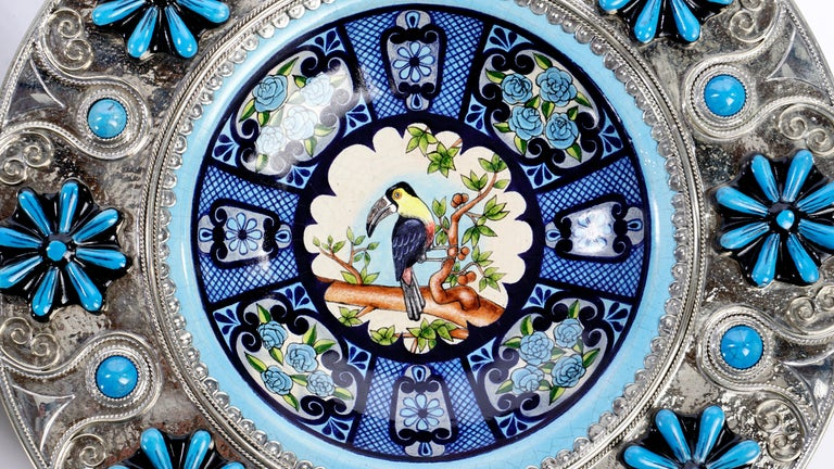 Ceramic and White Metal 'Alpaca' Toucans and Parrot Set of Plates For Sale 1