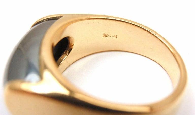 Cabochon Bulgari Hematite Tronchetto Yellow Gold Ring For Sale