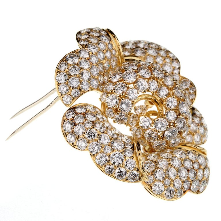 Women's or Men's Bulgari Vintage Bring Back The Brooch 34 Carat Pave Diamond Gold Floral Brooch For Sale