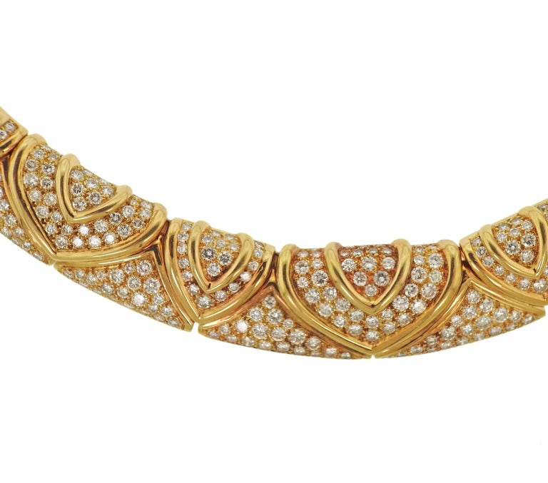 Beautiful and magnificent, 18k yellow gold necklace by Bvlgari, set with approx. 28 carats in diamonds. Necklace is 16