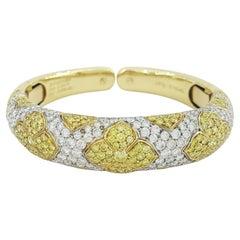 Bulgari Roma Yellow and White Diamond 18 Carats Yellow Gold Bangle