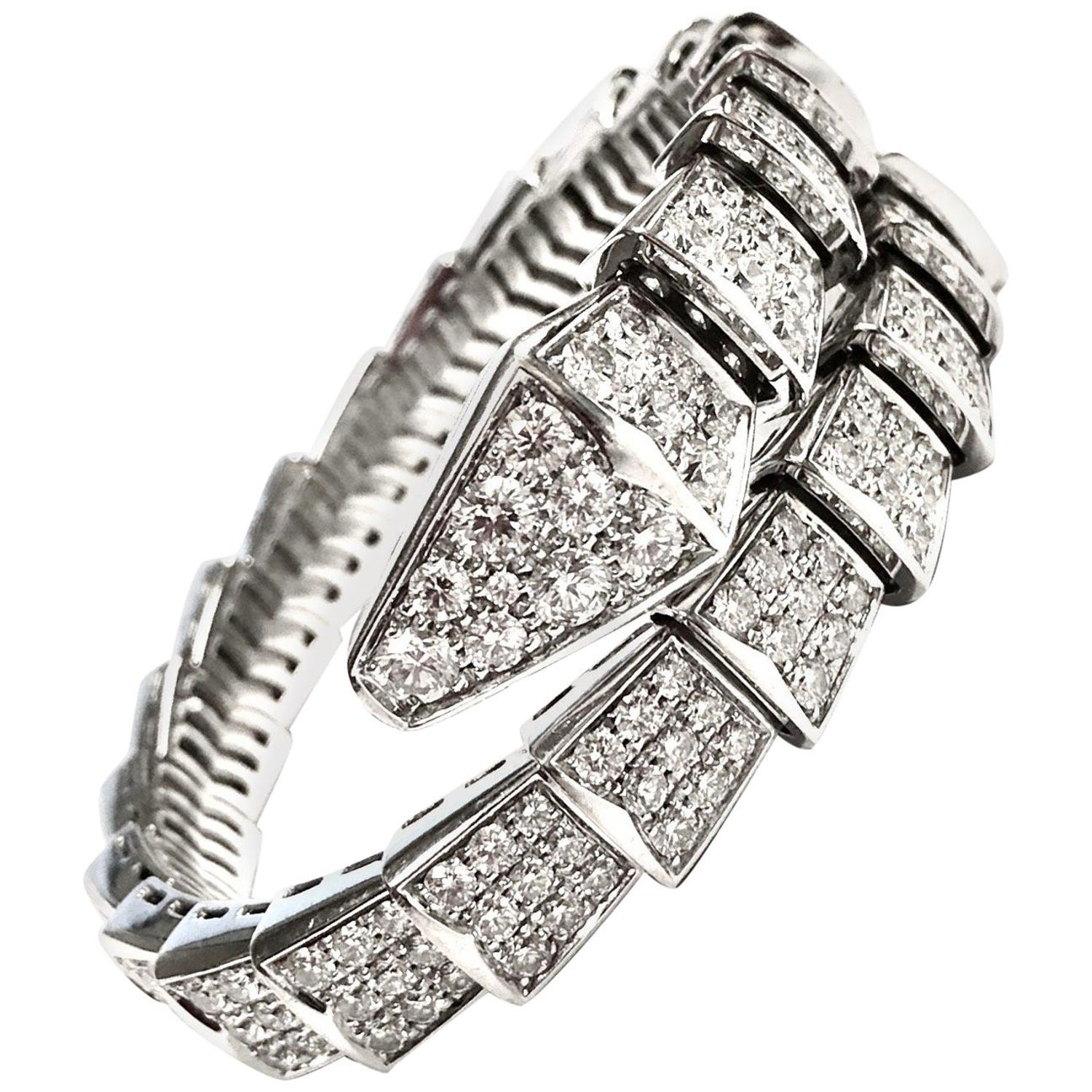 03592a640 Bulgari Serpenti One Coil 18 Karat White Gold Full Pave Diamond Bracelet at  1stdibs