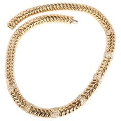 Bulgari Spiga Diamond Necklace in 18 Karat Yellow Gold 4.00 Carat