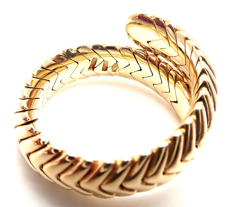 Bulgari Spiga Diamond Snake Yellow Gold Band Ring In Excellent Condition For Sale In Holland, PA