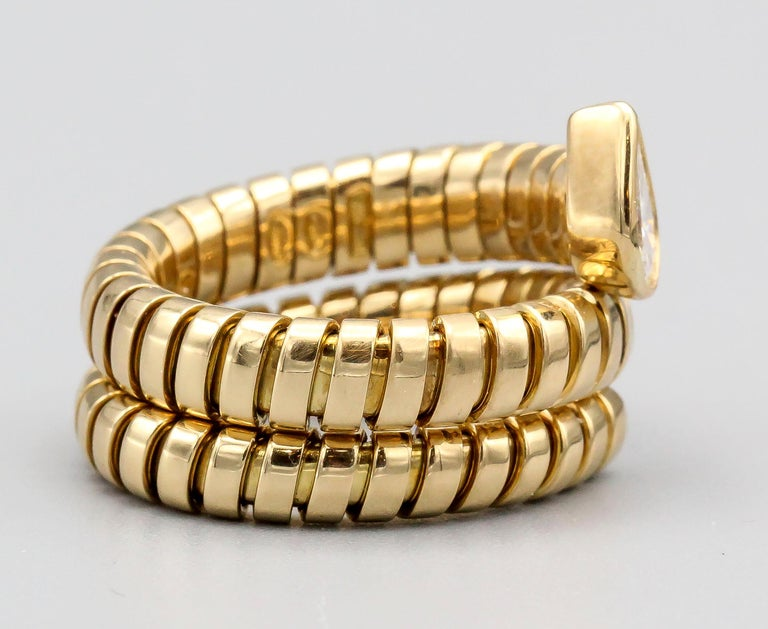 Contemporary Bulgari Tubogas Diamond and 18 Karat Yellow Gold Flexible Snake Ring For Sale
