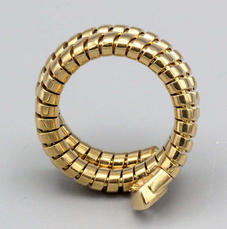 Bulgari Tubogas Diamond and 18 Karat Yellow Gold Flexible Snake Ring For Sale 1