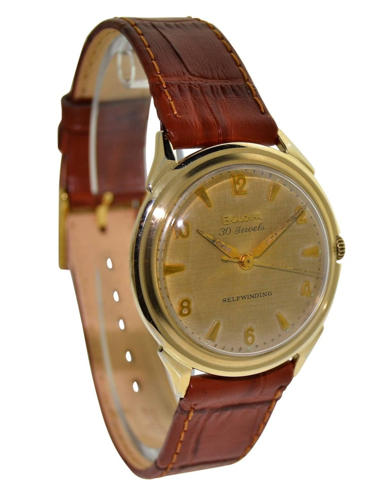 Bulova Yellow Gold Filled Art Deco Original Dial Self winding Wristwatch, 1960s In Good Condition For Sale In Venice, CA