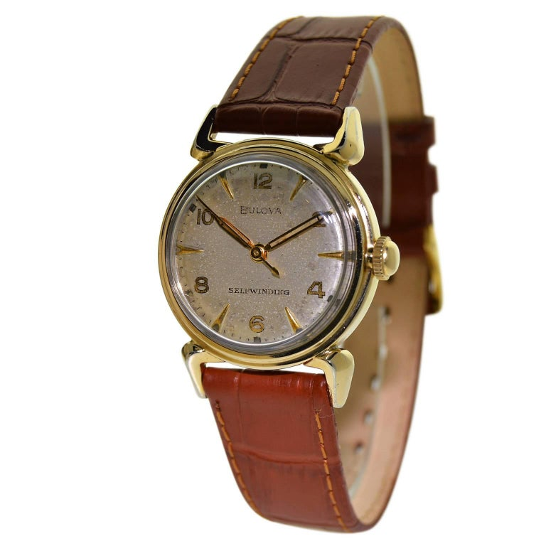 Bulova Yellow Gold Filled Art Deco Self Winding Wristwatch, circa 1960s In Excellent Condition For Sale In Venice, CA