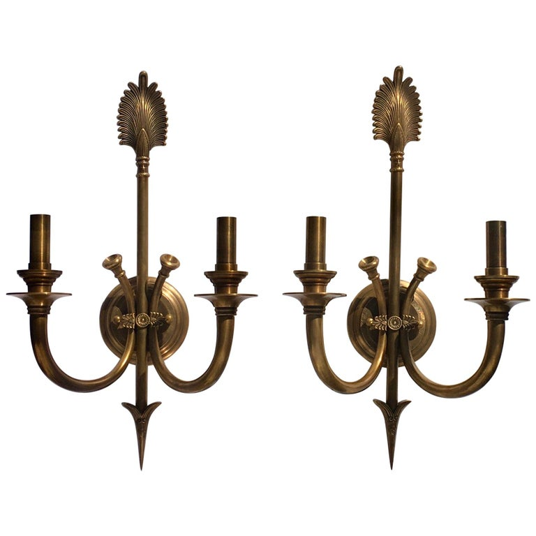 Bunny Williams Vintage Brass Plum and Arrow Classic Wall Sconce Lights, Pair For Sale