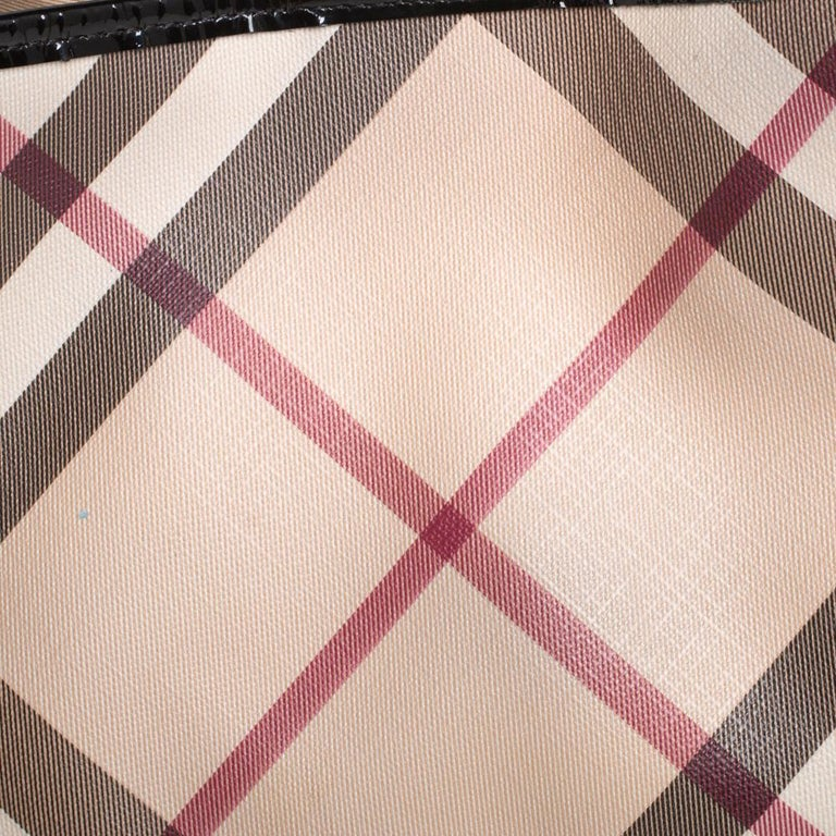 Burberry Beige/Black Nova Check PVC and Patent Leather Small Canterbury Tote For Sale 2